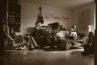 me, myself and I© Florian Eidam | Canon EOS 50D | f/3.5 | 1/30sec | ISO-250 | 18mm